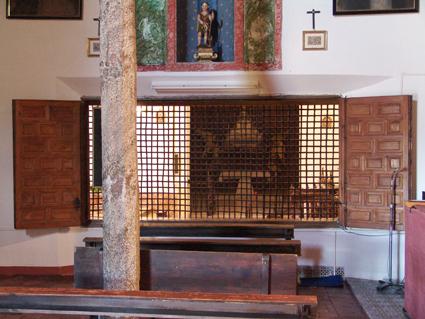 Coro Bajo con la Capilla Sepulcro de Santa Beatriz al fondo
